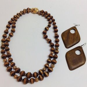 Vintage 70's wooden necklace and earrings set